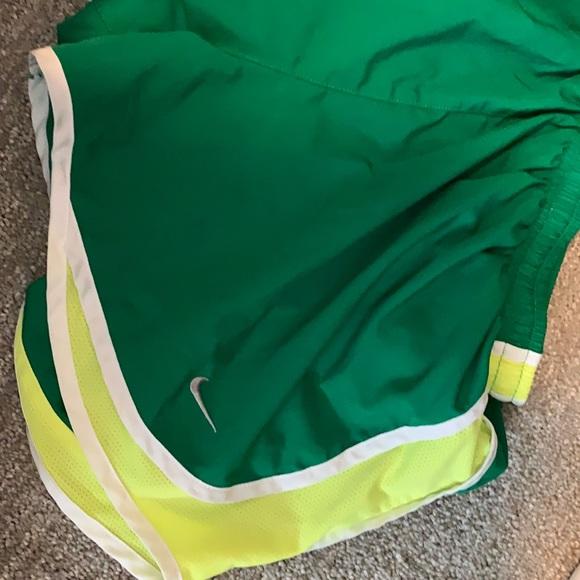 Nike Running Shorts green